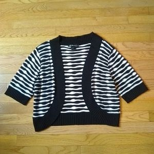 (5/$20) black and white stripe sweater